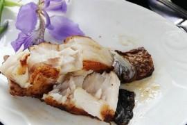煎烤鱼的做法:简单制作鲜嫩烤鱼