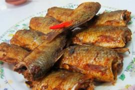 电烤箱香烤鱼的做法_家常电烤箱香烤鱼的做法