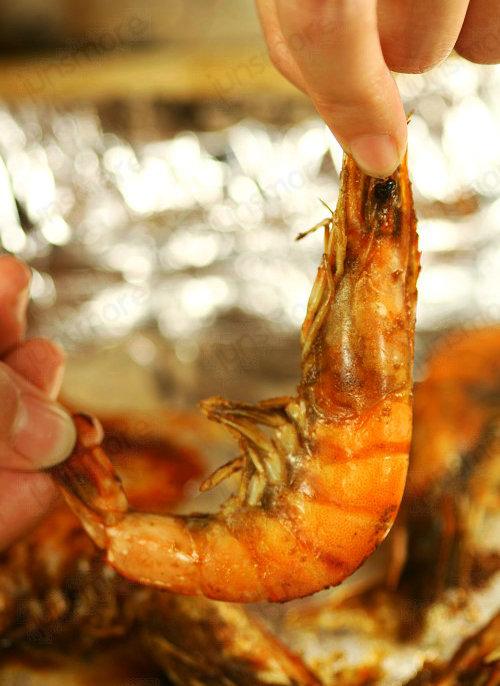 爽辣黑椒烤虾的做法